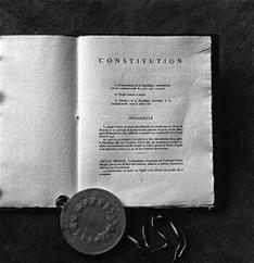 Les-revisions-de-la-Constitution-sous-la-Ve-Republique_medium_dossiers
